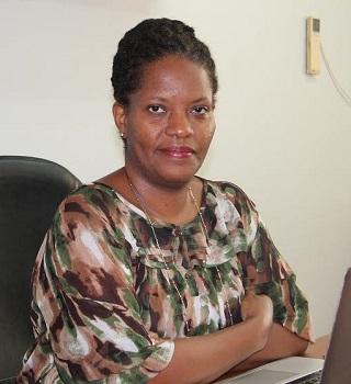Dr Gloria Folson
