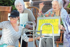 Public supports ComfortCare Homes residents parade