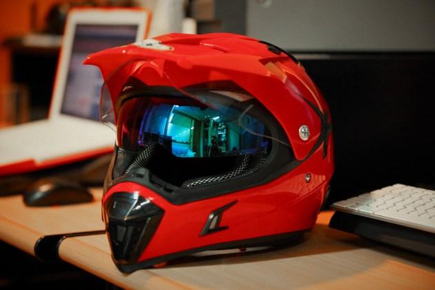 makin seru nih persaingan helm supermoto merk lokal