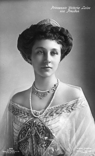 Bild: Kronprinzessin Viktoria Luise von Preußen. Ihr Leben war eng mit dem Großen Schloss zu Blankenburg verbunden. Dieses Bild ist gemeinfrei, weil seine urheberrechtliche Schutzfrist abgelaufen ist.