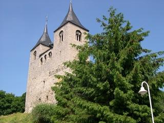 Bild: Die Kirche St. Cyriacus zu Frose.