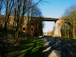Bild: Die so genannte Millionenbrücke an der ehemaligen Krughütte zwischen Wimmelburg und Eisleben.