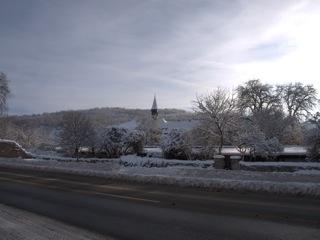 Bild: Die Reste des Klosters der Benediktiner zu Wimmelburg mit der Kiche St. Cyriacus.