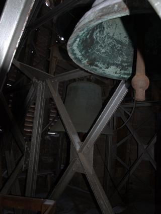 Bild: Die Glocken auf dem Südturm der Stephanikirche zu Aschersleben.