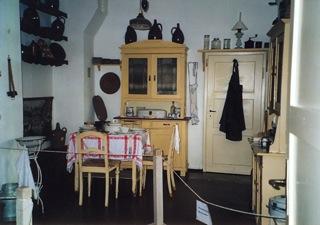 Bild: Gewohnt wurde auf dem Bauernhof meist in der Küche ...