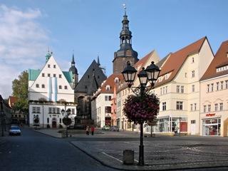 Bild: Markt, Rathaus und Kirche St. Andreas in Eisleben. Aufnahme aus dem Jahr 2007 von Birk Karsten Ecke.