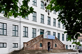 Bild: Das ehemalige Waisenhaus der Franckeschen Stiftungen in Halle an der Saale. Bild: © 2012 by Bert Ecke.