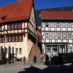 Bild: Stolberg - Rathaus und Müntzerdenkmal.