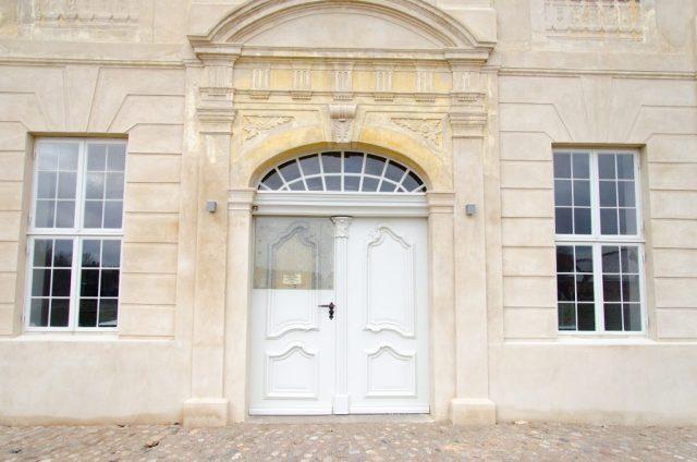 Kummerow Schloss Eingang
