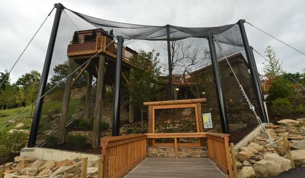 Grizzly Ridge Exhibit - Akron Zoo Hasenstab