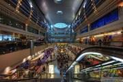 في مطار دبي ..... الهاتف الذكي بدل جواز السفر