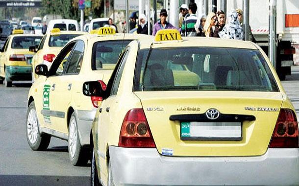 سيارات تاكسي في عمان - (تصوير- اسامة الرفاعي)