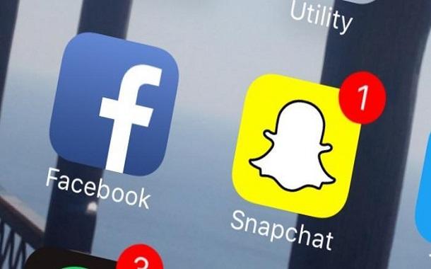 Facebook-buys-Snapchat-for-five-billion-dollars