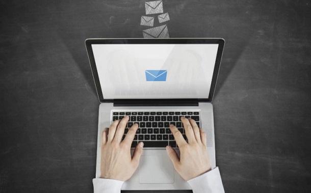 كيف تقوم بإنشاء توقيع بريد إلكتروني احترافي