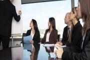 7 علامات تدل على أن رئيسك في العمل معجب بأدائك
