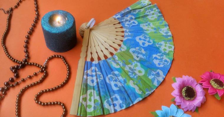 Sandalwood Scented Fan: An Ode to Aesthetics!