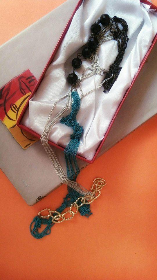 Multicolored-necklace-hashtagged-Hina-Ilyas