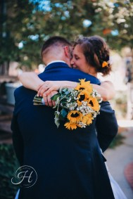 wedding photography Meridian Idaho Cox Farm wedding sunflower bridal bouquet