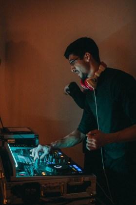 DJs at a wedding   Ceasar Wedding DJ