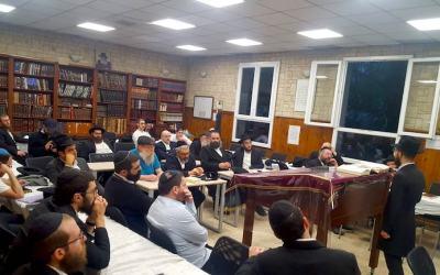 Kinous Torah de 'Hol Hamoed Pessa'h au Beth Habad de Lyon