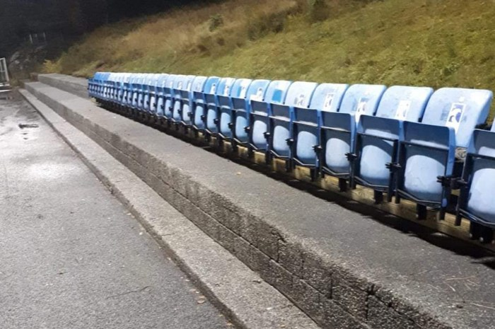 Endeleg sitjeplassar på stadion!