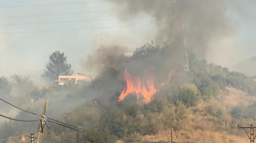 Hatay'daki orman yangını yerleşim yerlerine sıçradı