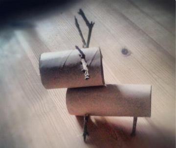 3 toilet paper roll deer