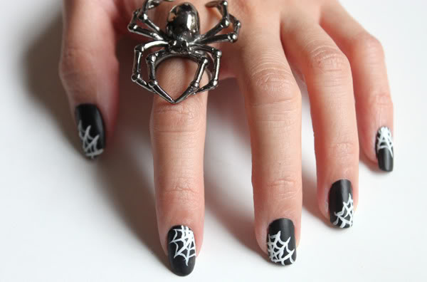 30 Cool Halloween Nail Art Ideas  Hative