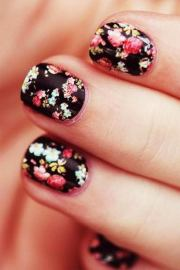 pretty flower nail design