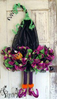 Cute DIY Witch Wreath Tutorials & Ideas For Halloween - Hative