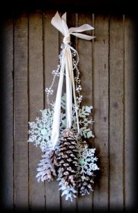 30+ Festive DIY Pine Cone Decorating Ideas - Hative
