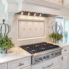 Kitchen Backspash Hotels With In Orlando 35 Beautiful Backsplash Ideas Hative White Light Gray And Silver Accents A Tile
