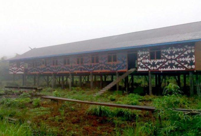 Rumah Adat Kalimantan