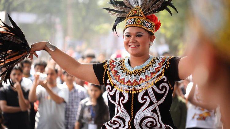 Tari Adat Kalimantan Barat #5 yang Mengesankan