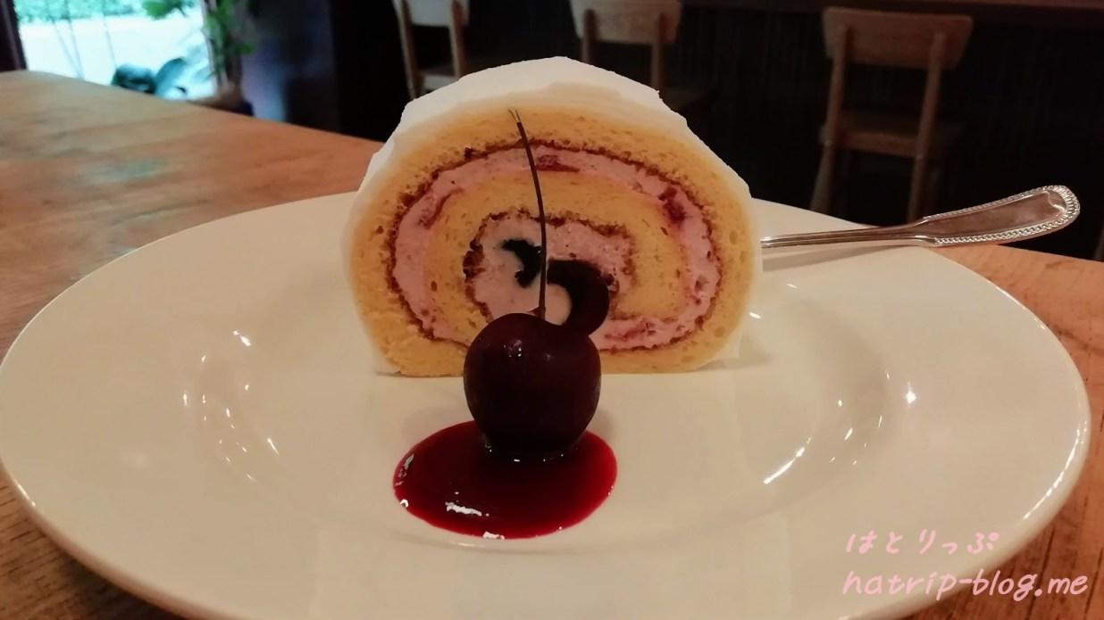 埼玉県川口市 カフェ 喫茶 青政 チェリーのロールケーキ