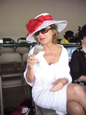 """Leslie and the """"Chelsea"""" Derby Hat"""
