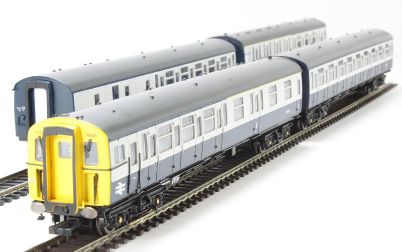 Hattonscouk  Hornby R3143 Class 423 Vep 4 Car Set In Br