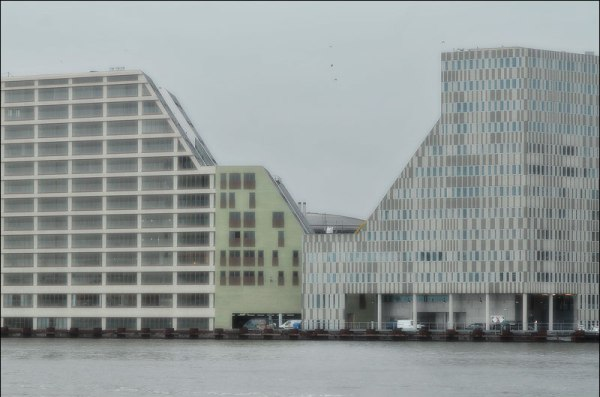 Westerdok : Ni les formes ni les façades sont ennuyantes