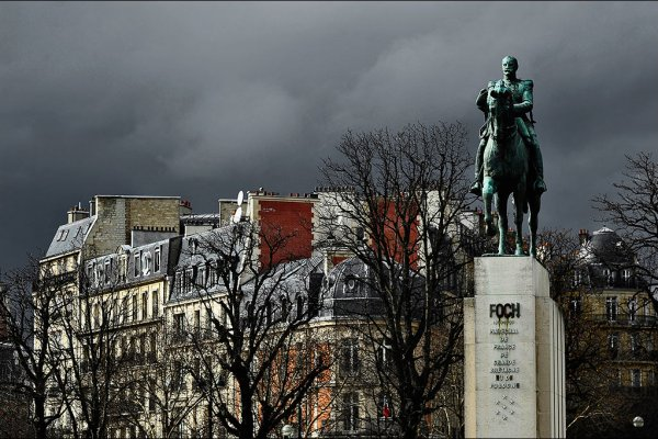 La Statue de Ferdinand Foch, Place du Trocadéro
