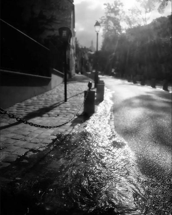 nettoyage des rues. Montmartre.