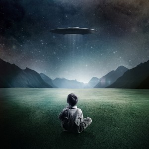 Boy-and-UFO-iPad-4-wallpaper-ilikewallpaper_com_1024
