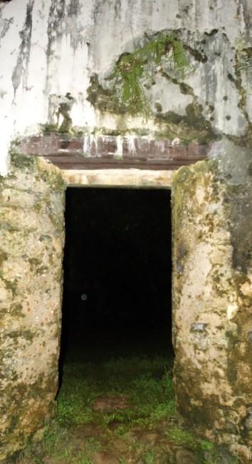 Kaniakapupu Palace ruins, Nuʻuanu Pali and Manoa exploration – Oahu, Hawaii.
