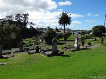 Birkenhead/Glenfield Cemetery graves