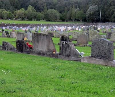Maunu Cemetery