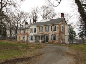 historic haunted mansion, paranormal, ghostly encounters, travel, haunted