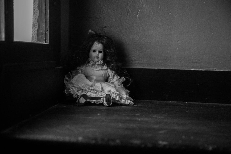creepy dolls on the