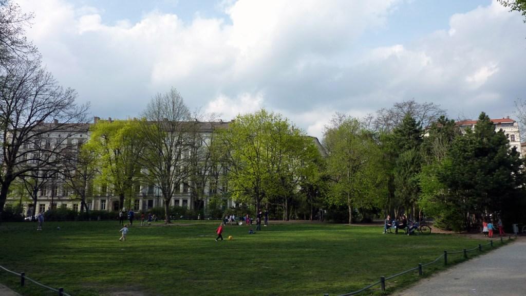 Berlin Prenzlauer Berg - Sanierungserhaltungsgebiet Kollwitzplatz - Bild 2