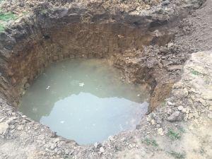 Die Grube war immer voll mit Wasser.