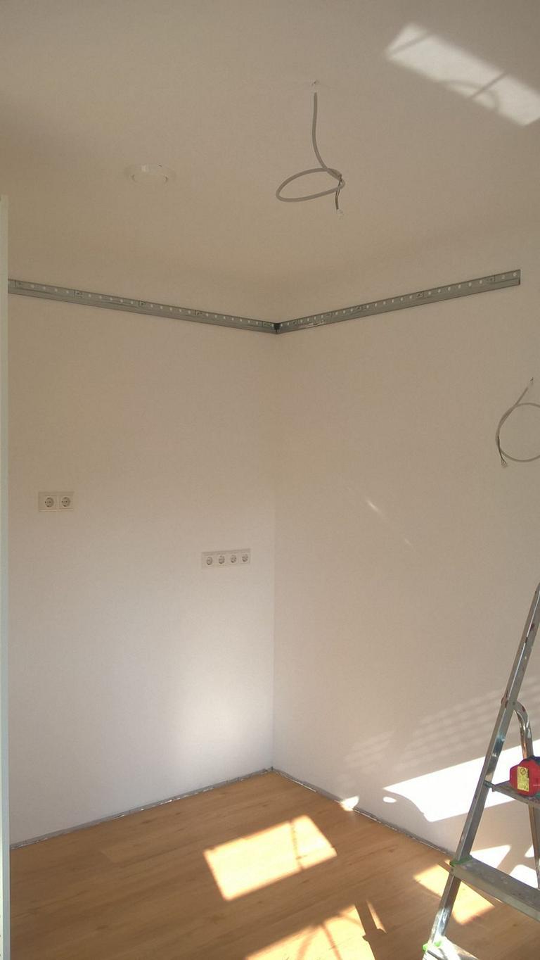 Schiene Hngeschrank Kche Ikea Kche Wie Bekommt Man Arbeitsplatte Von Der Wand Ab Kleine Mit