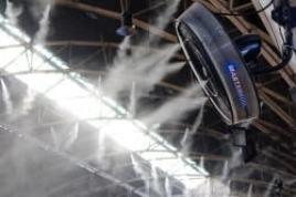 Ventilator mit Wassernebel